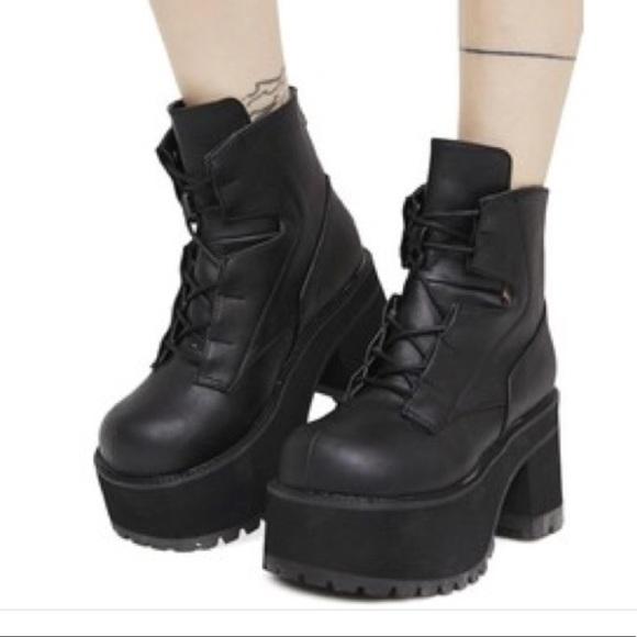d21c95e7ab0 Demonia Shoes - Demonia Ranger 102 Lace-Up Platform Ankle Boot